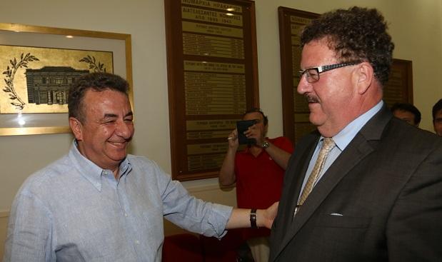 ΄Προς ακύρωση η ελληνογερμανική συνέλευση του.. Φουχτελάκη (του Σταύρου), μετά τις αντιδράσεις των δημάρχων της Κρήτης