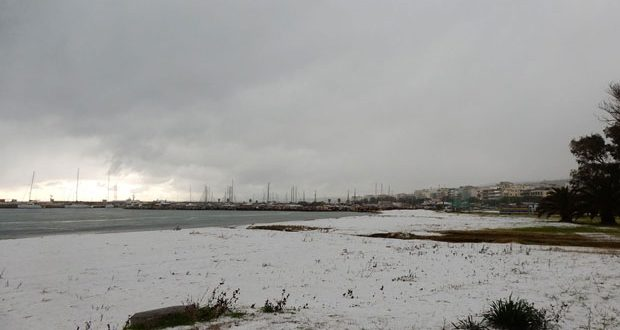 Photo of snow-covered Rethymno