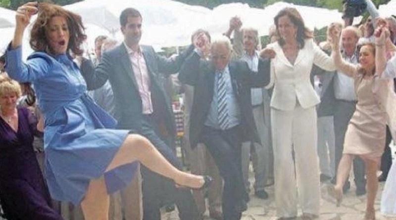 Οικογένεια Μητσοτάκη: Όλο το κράτος στα πόδια της! – Τα μέλη της που κατέχουν… επιτελικές θέσεις! (φωτο)